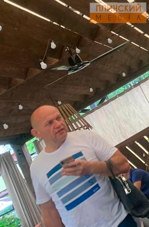 Глава таможни Игорь Муратов средь бела дня выпивал в элитном ресторане Киева в компании смотрящего за потоками Сергея Иванова